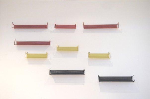 Mensole In Metallo.Mensole Vintage Tricolori In Metallo Di Mathieu Mategot Per Artimeta Set Di 9