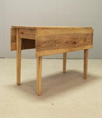 Tavolo vintage allungabile in legno di pino, Svezia in vendita su Pamono