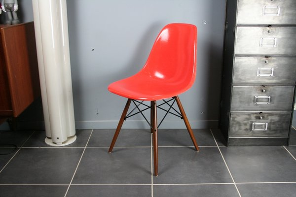 DSW Chair In Red And Orange By Charles U0026 Ray Eames For Herman Miller, 1960s