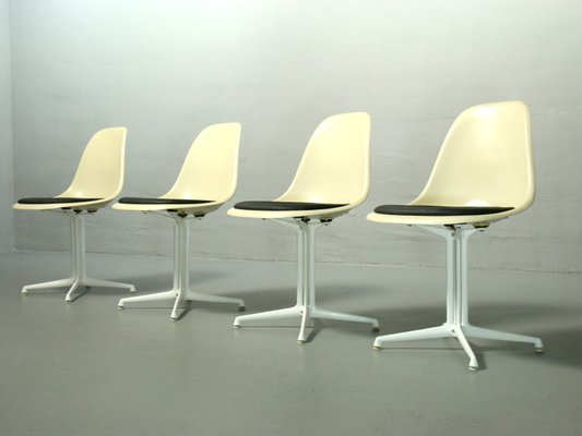 Sedie in fibra di vetro di charles & ray eames per vitra set di 4