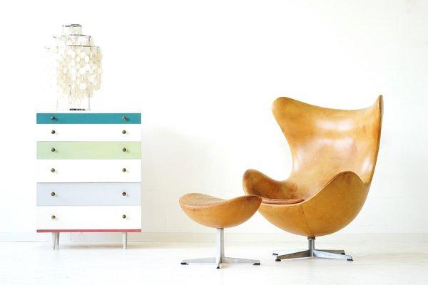 Egg Chair Und Ottomane Aus Leder Von Arne Jacobsen Für Fritz Hansen, 1960er  2