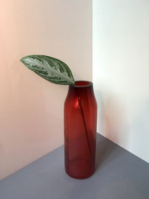 Large Raw Ruby Red Glass Vase By Milena Kling For Sale At Pamono