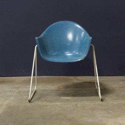 Chaises Pour Enfant En Fibres De Verre Avec Socle Metal 1960s Set