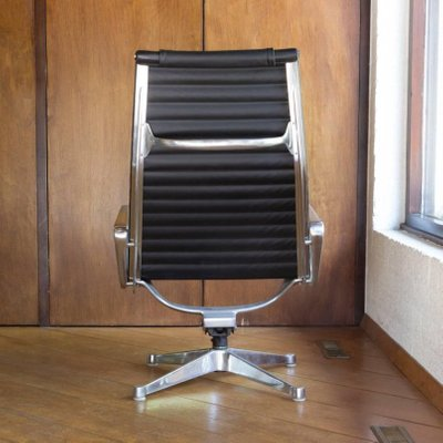 Incredible Chair Ottoman Set By Ray Charles Eames For Herman Miller 1958 Uwap Interior Chair Design Uwaporg