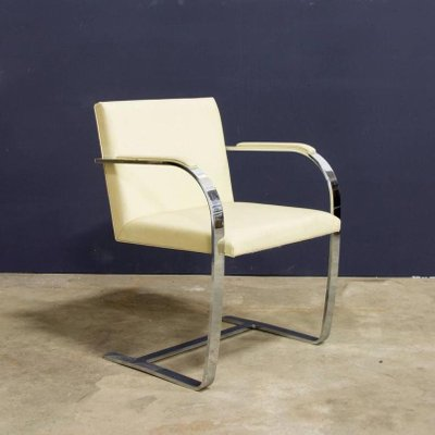 Exceptionnel Vintage Brno Chairs In Cream Leather By Ludwig Mies Van Der Rohe For Knoll,  Set
