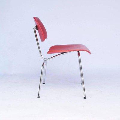 7ef5f566c34 Fauteuil Rouge DCM Vintage par Charles   Ray Eames pour Vitra en ...