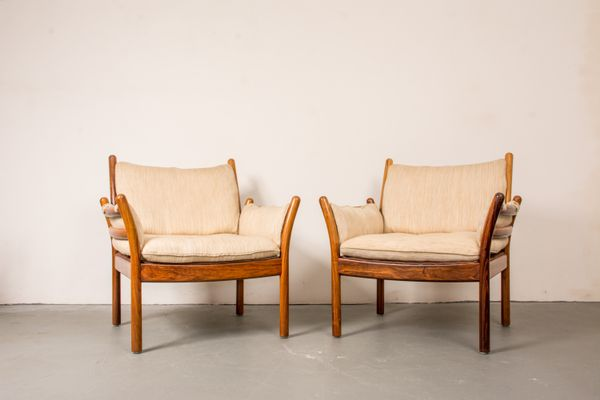 Marvelous Vintage Genius Chair In Rosewood And White Fabric By Illum Wikkelsø For CFC  Silkeborg 1