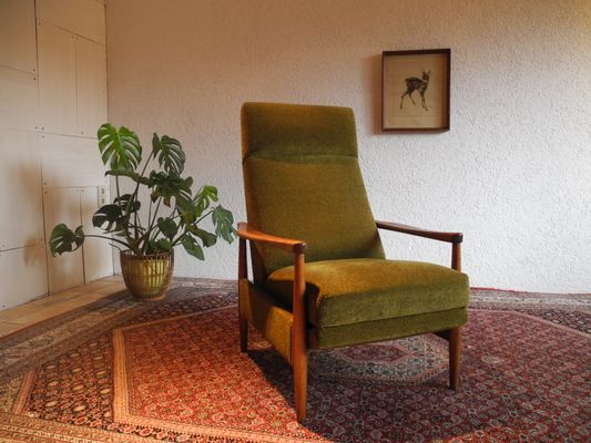 Large Mid Century Recliner Chair With High Backrest 1