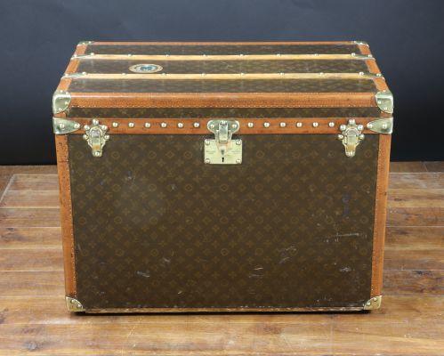 2d0c7b4c8c Malle pour Chapeaux de Louis Vuitton, 1939 en vente sur Pamono