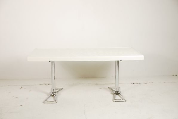 regarder c5dc4 486fb Table Basse Futuriste, 1980s