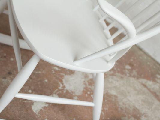 Vintage White Rocking Chair by Illum Wikkelsø for Niels Eilersen 7 - Vintage White Rocking Chair By Illum Wikkelsø For Niels Eilersen For