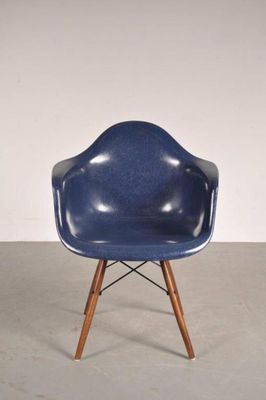 daw chair by charles ray eames for herman miller 1960s