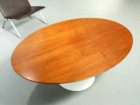 Oval Wood Veneered Coffee Table By Eero Saarinen For Knoll