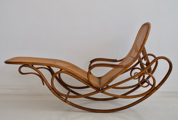 antique model 7500 rocking chair from thonet for sale at pamono