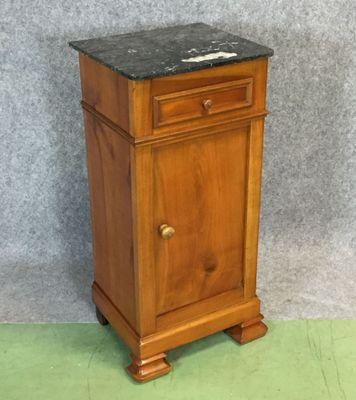 https://cdn20.pamono.com/p/g/2/4/246809_101kf6eequ/comodino-in-legno-di-ciliegio-e-marmo-xix-secolo-immagine-2.jpg