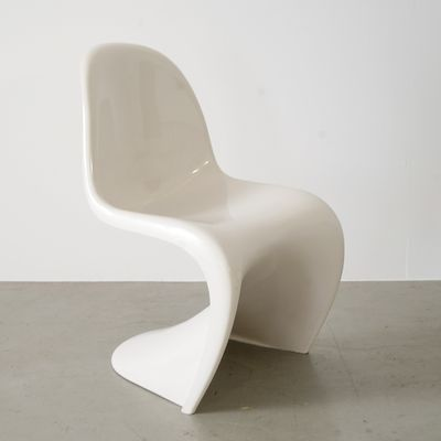 white cantilevered s chair by verner panton for herman miller 1972