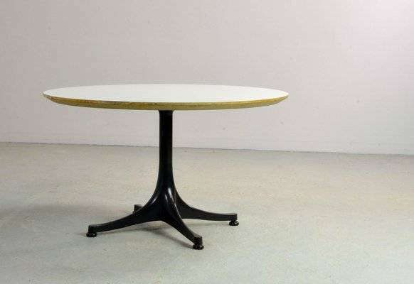 Mid Century Round Coffee Table By George Nelson For Herman Miller