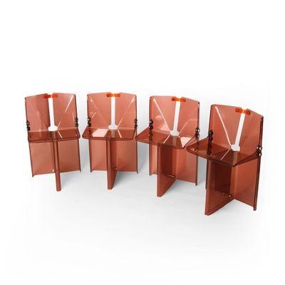 Tavolo da pranzo vintage in perspex con sedie in vendita su Pamono