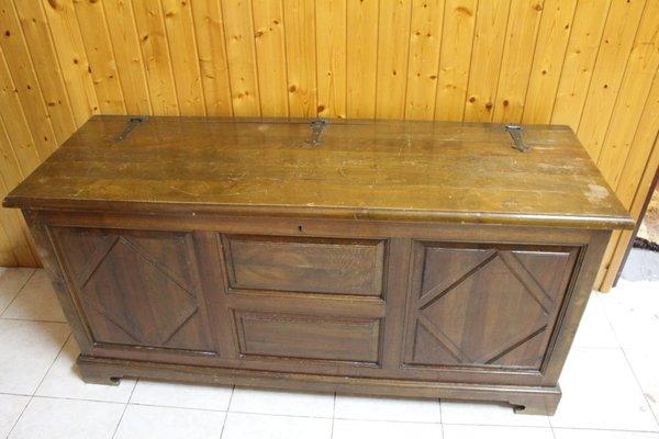 Credenza vintage in legno massiccio, Spagna, anni \'50 in vendita su ...