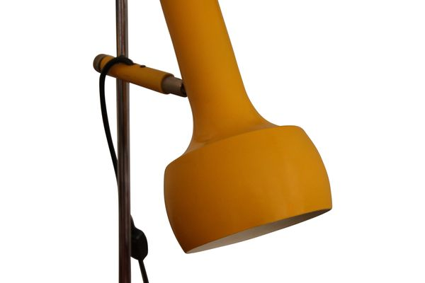 Lampe de bureau vintage jaune en vente sur pamono