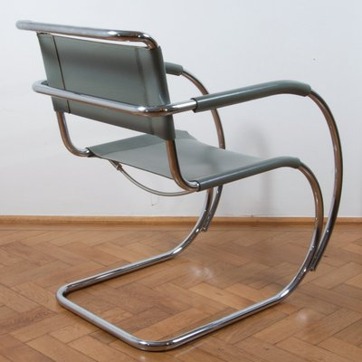 S533 Cantilever Stuhl Von Ludwig Mies Van Der Rohe Für Thonet