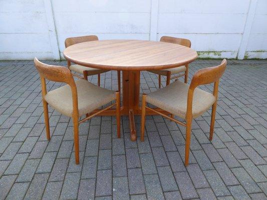 Juego de mesa y sillas de comedor danés de roble de Niels Otto ...