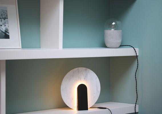 Un bureau ikea très girly en marbre