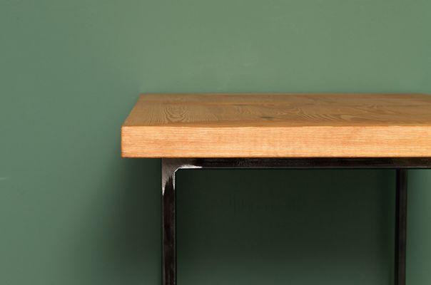 Tavolo da cucina HEERLEN in legno riciclato ed acciaio di Johanenlies