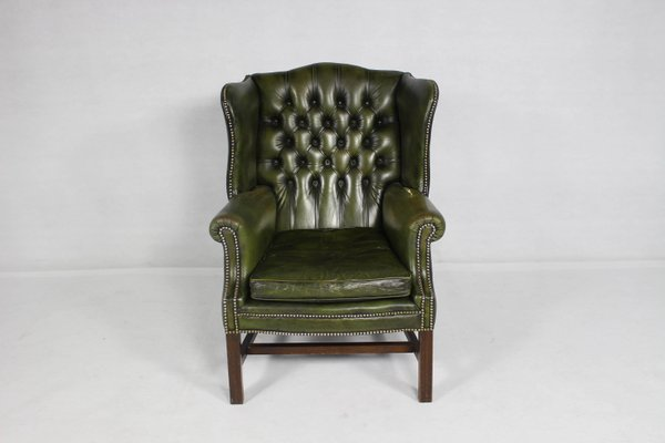 Charmant Vintage Button Back Leather Wing Chair 1