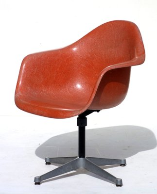 Vintage Shell Orange Chair By Charles U0026 Ray Eames For Herman Miller, ...