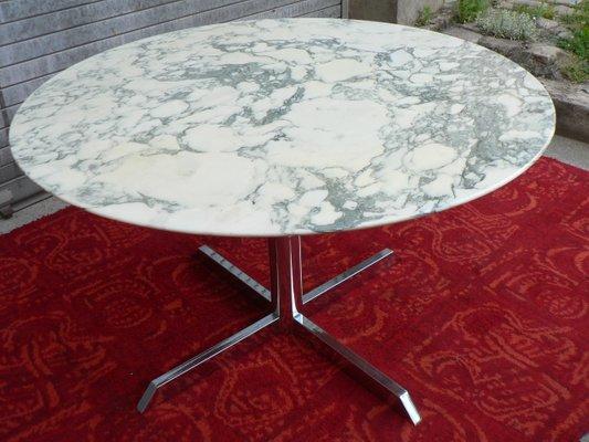 Tavolo in marmo e placcato in cromo di Florence Knoll per Roche ...