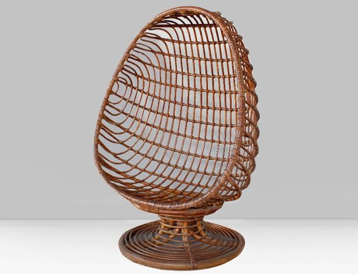 Incroyable Italian Rattan Egg Chair, 1960s 1