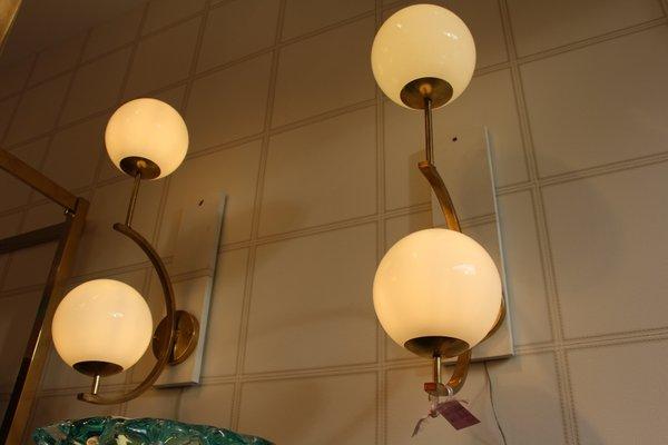 Applique mid century in ottone e vetro bianco italia set di 2 in