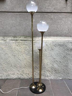 Lampada Terra Anni 60.Lampada Da Terra A Tre Diffusori In Vetro Di Reggiani Anni 60