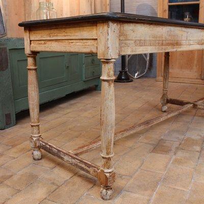 Tavolo antico in legno in vendita su Pamono