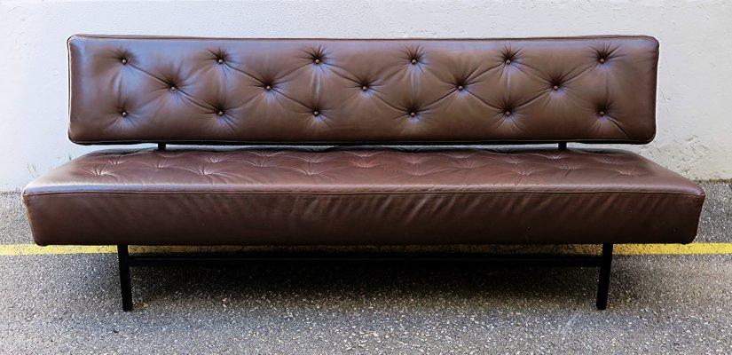 Divano letto vintage in pelle marrone, anni \'60 in vendita su Pamono