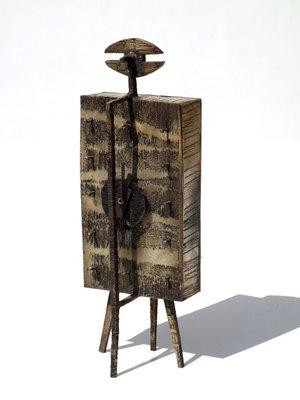 9c3c125858da Reloj de mesa con figura metálica de Lorenzo Burchiellaro