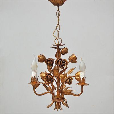 Italienischer Rosen Kronleuchter Mit Goldener Lackierung, 1970er 1