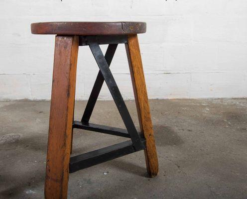 Sgabello vintage industriale in vendita su pamono