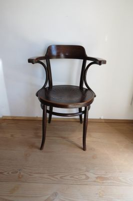 Sedia antica in legno curvo di Jacob & Josef Kohn in vendita su Pamono