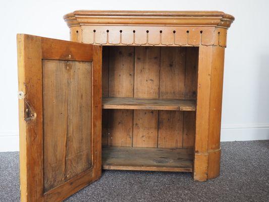 Credenza Rustica Antica : Credenza per piatti antica vittoriana in legno di pino vendita