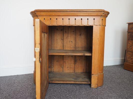 Credenza Per Stoviglie : Credenza per piatti antica vittoriana in legno di pino vendita