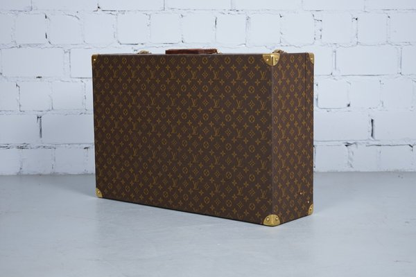 b433100aeb52 Model Zephyr 70 Suitcase from Louis Vuitton
