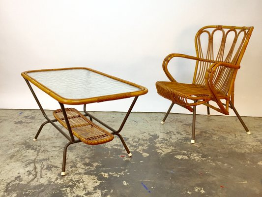 Poltrone E Tavoli In Vimini.Poltrona E Tavolino In Bambu E Vimini Anni 50 In Vendita Su Pamono