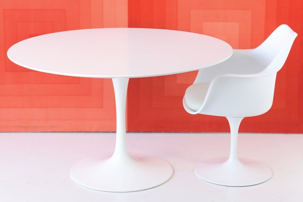 Tavolo Tulip Knoll : Tulip table by eero saarinen for knoll international bei