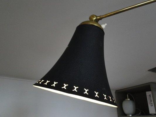 Lampada da parete telescopica in ottone con paralume nero anni 50