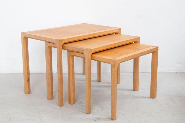 Charmant Mid Century Oak Nesting Tables By Kai Kristiansen For Vildbjerg Møbelfabrik  2
