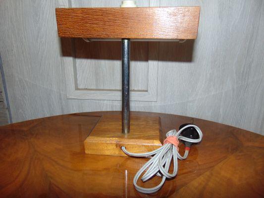 Tavoli In Legno E Vetro : Lampada da tavolo in bachelite legno e vetro anni in vendita