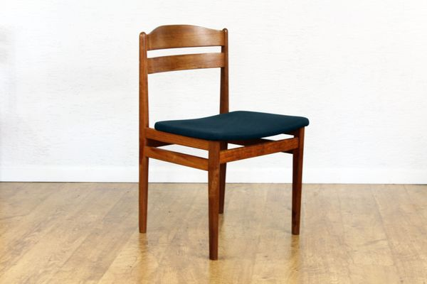 Mid-Century Teak Dining Chairs Set of 4 1 & Mid-Century Teak Dining Chairs Set of 4 for sale at Pamono