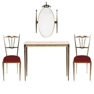 Consolle Art Nouveau in ottone con specchio e due sedie in vendita ...